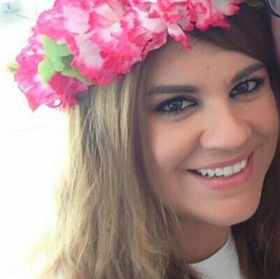 Yasmin Border. Makeup Artist and Fashion Stylist